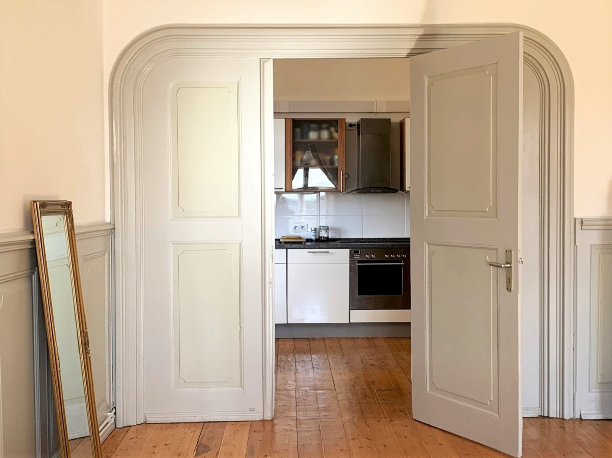 Blick aus dem Schlafzimmer in die Küche